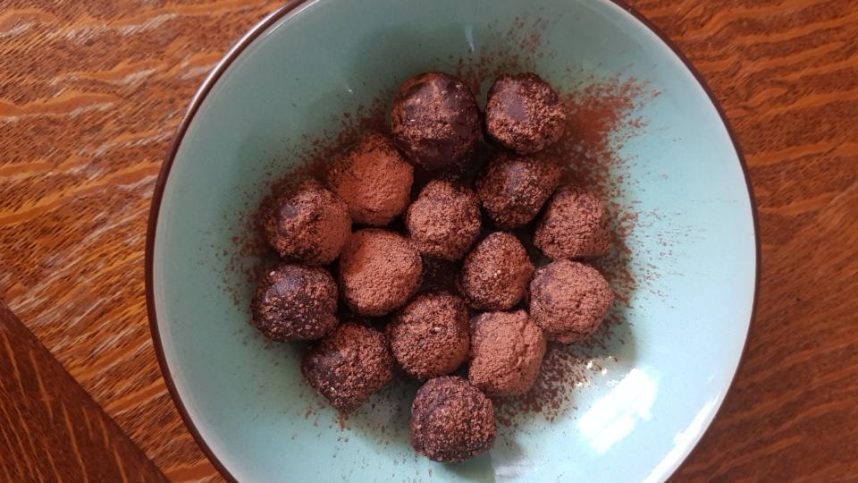 Dadelballetjes met hazelnoten